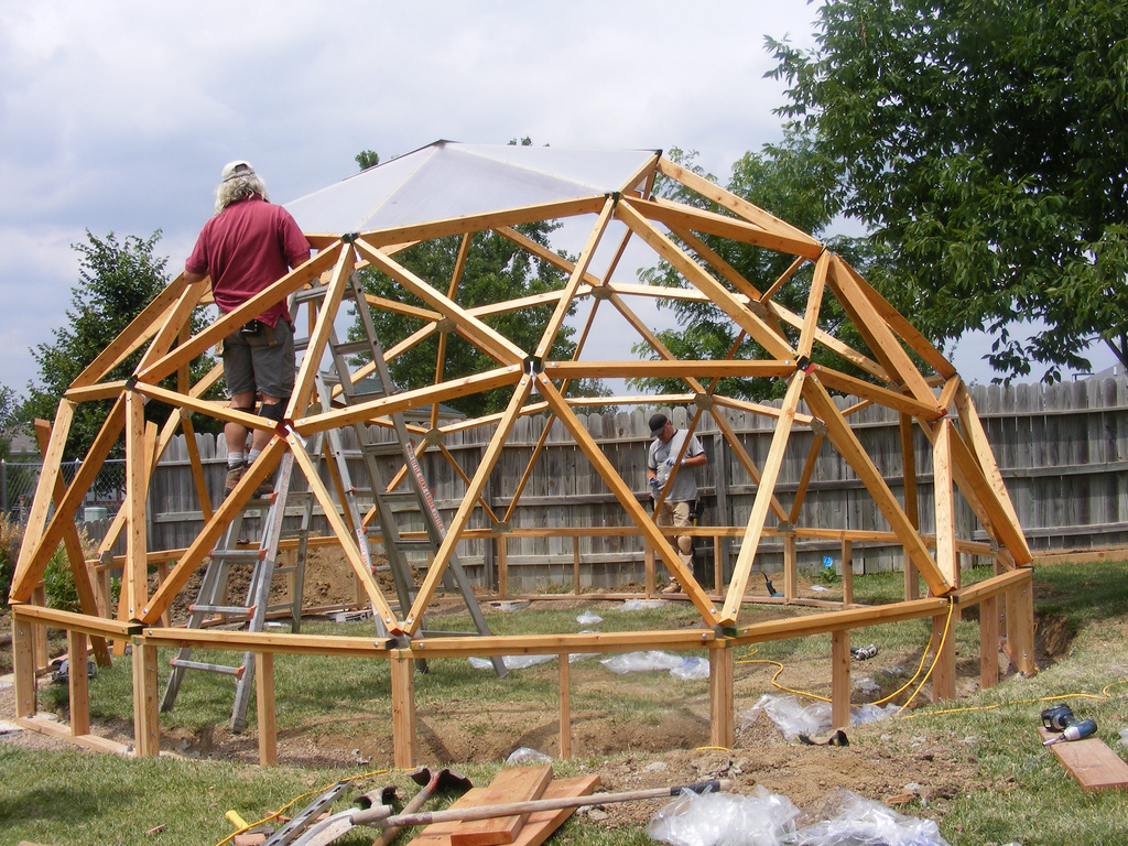 Throwback Thursday: Installing the greenhouse