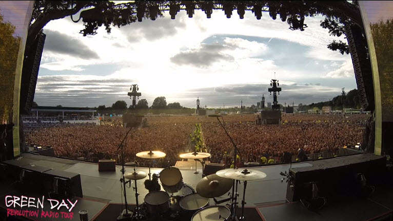 65,000 people singing Bohemian Rhapsody in Hyde Park