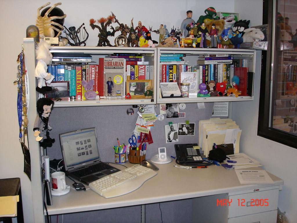 Throwback Thursday: Office desk, 2005